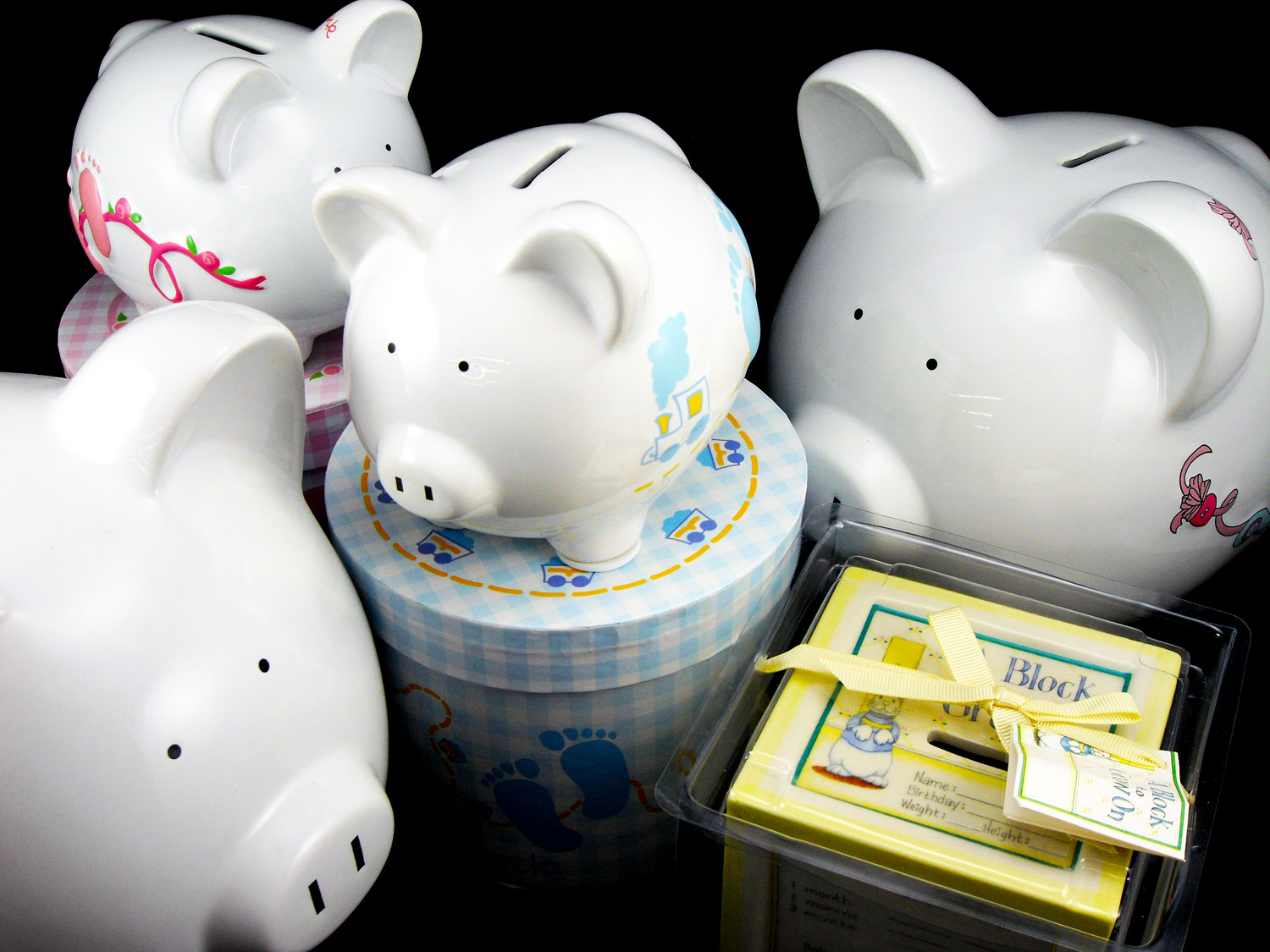 Baby Gift Piggy Bank : Piggy banks make practical and adorable personalized baby