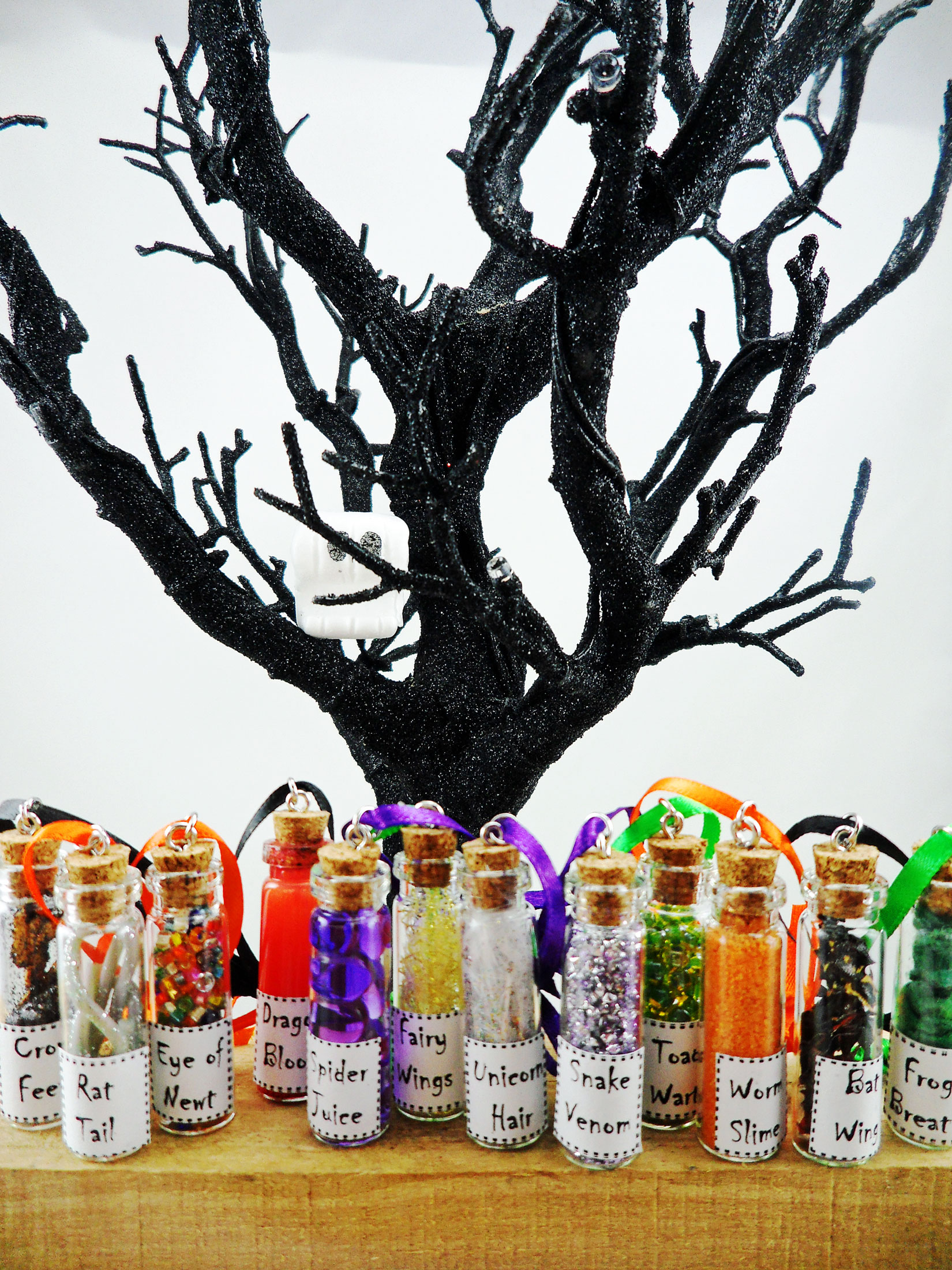 halloween tree final looking for personalized halloween ornaments - Personalized Halloween Decorations