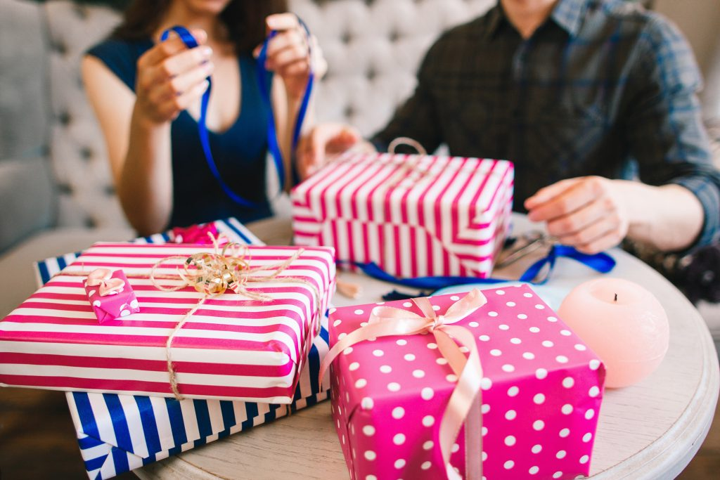 Christmas Gift Wrapping Tips & Tricks | OrnamentShop.com