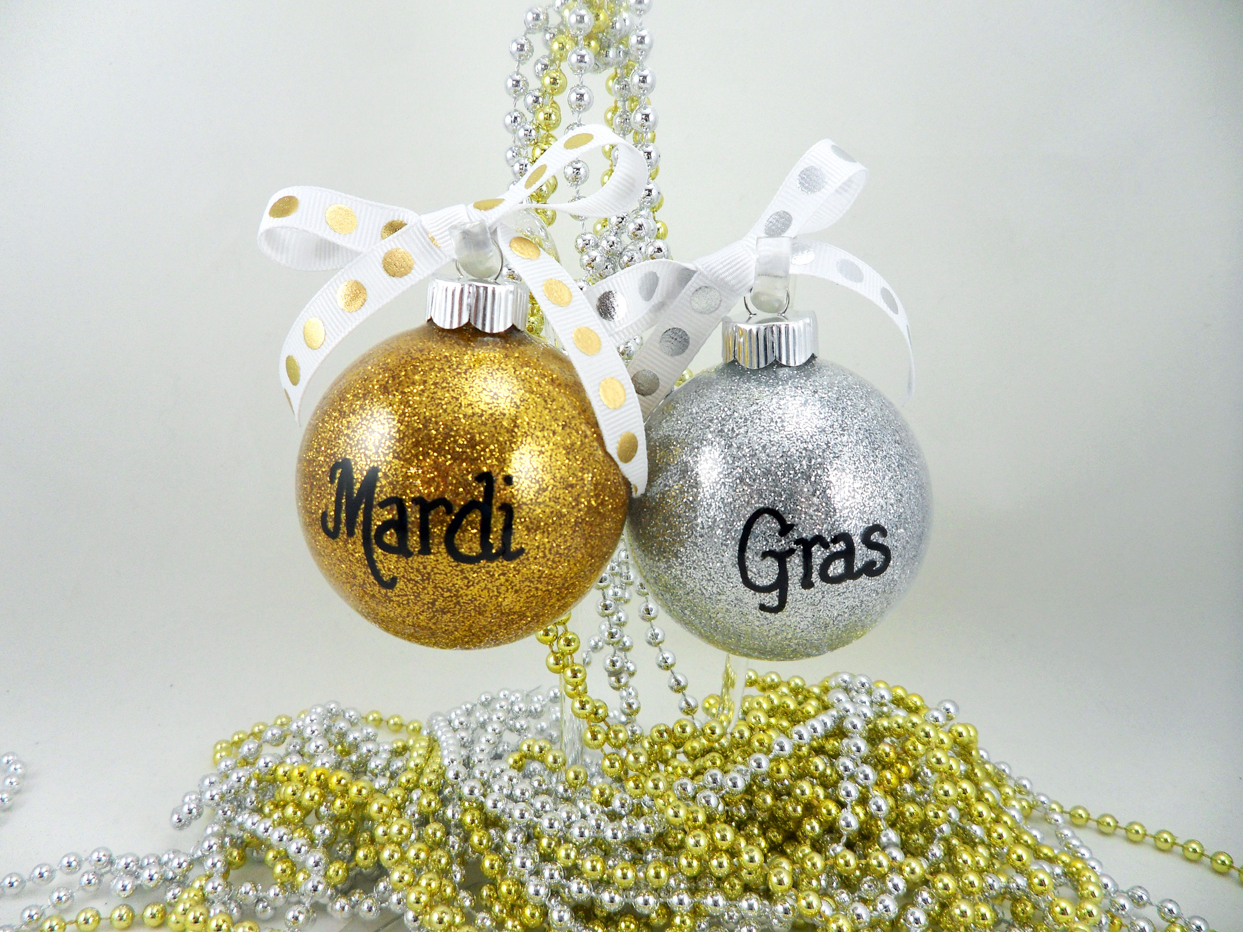 Glitter-Ornaments-Featured