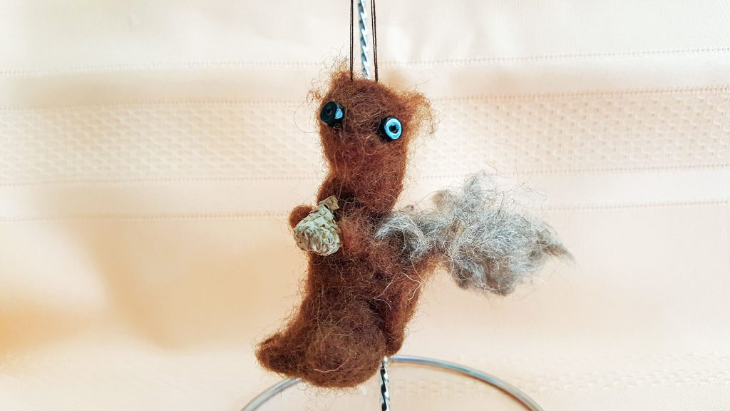 Squirrel-Ornament-Feature