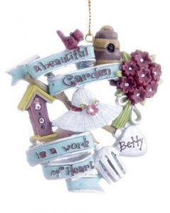 A wreath ornament that says a beatiful garden is a work of heart. | OrnamentShop.com