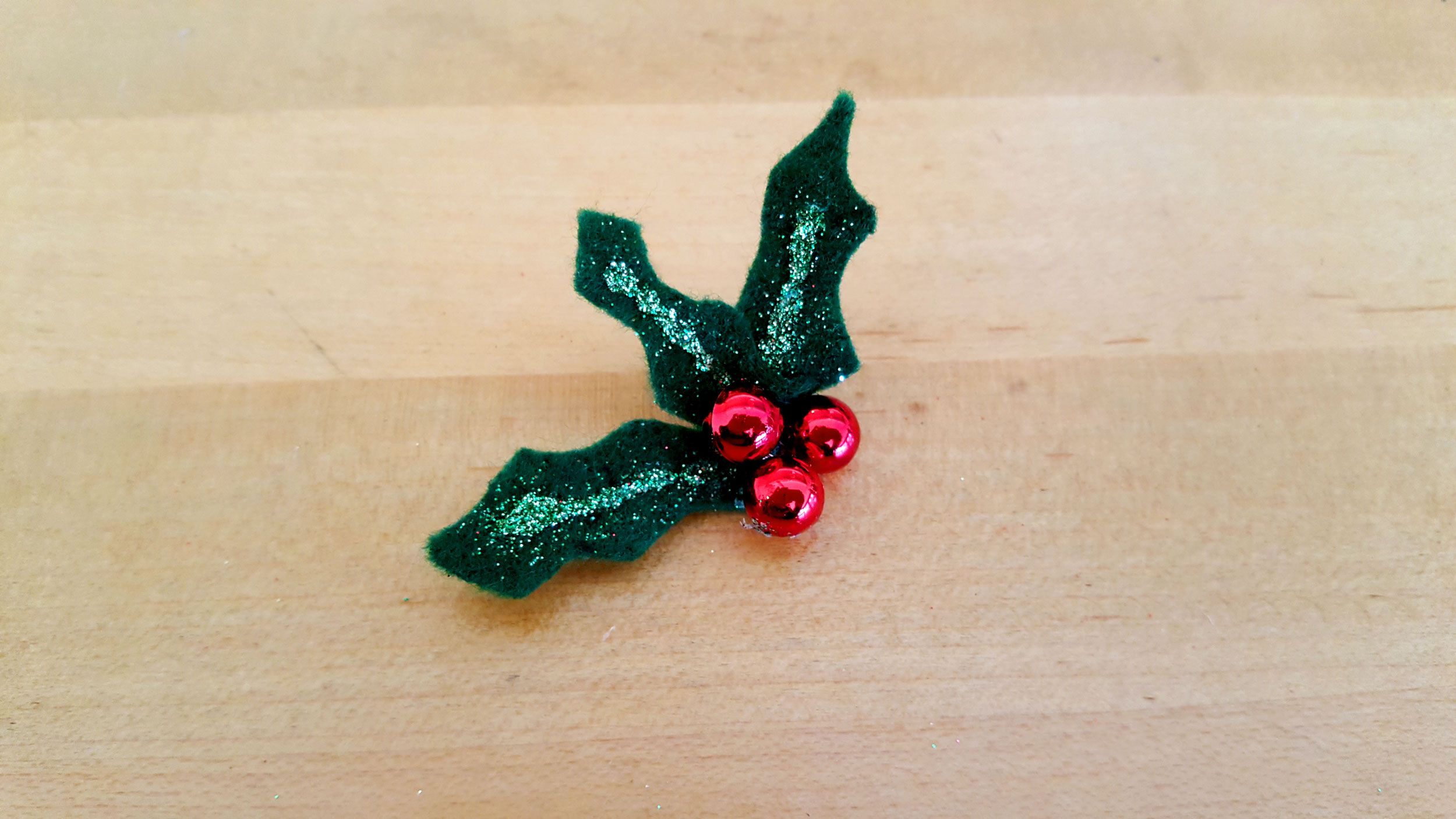 Initial Ornaments Step 6 assemble holly leaves. | OrnamentShop.com