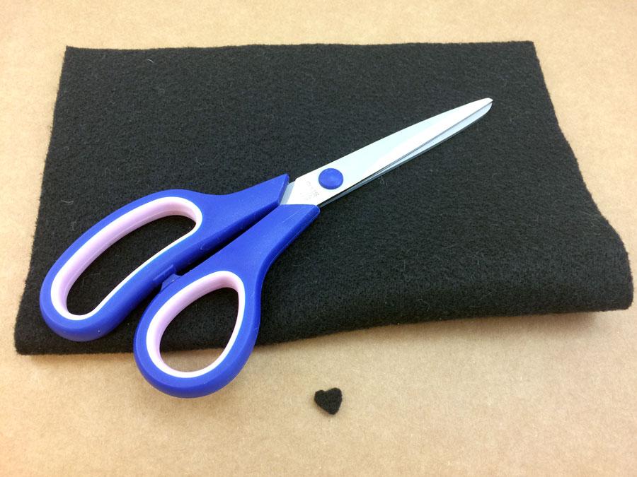 Cut black felt heart shaped nose | OrnamentShop.com