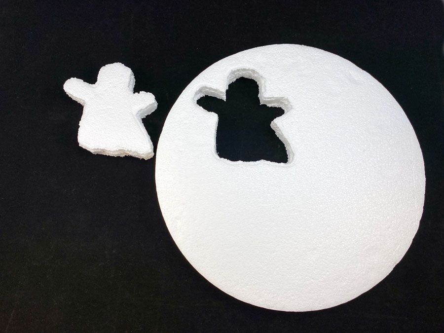 Create foam ghost shape using cookie cutter | OrnamentShop.com