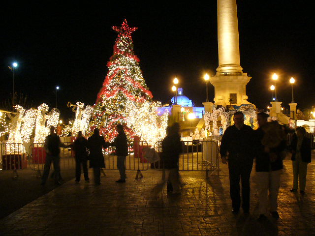 Christmas in Mexico:  The main plaza of the city of Chihuahua.
